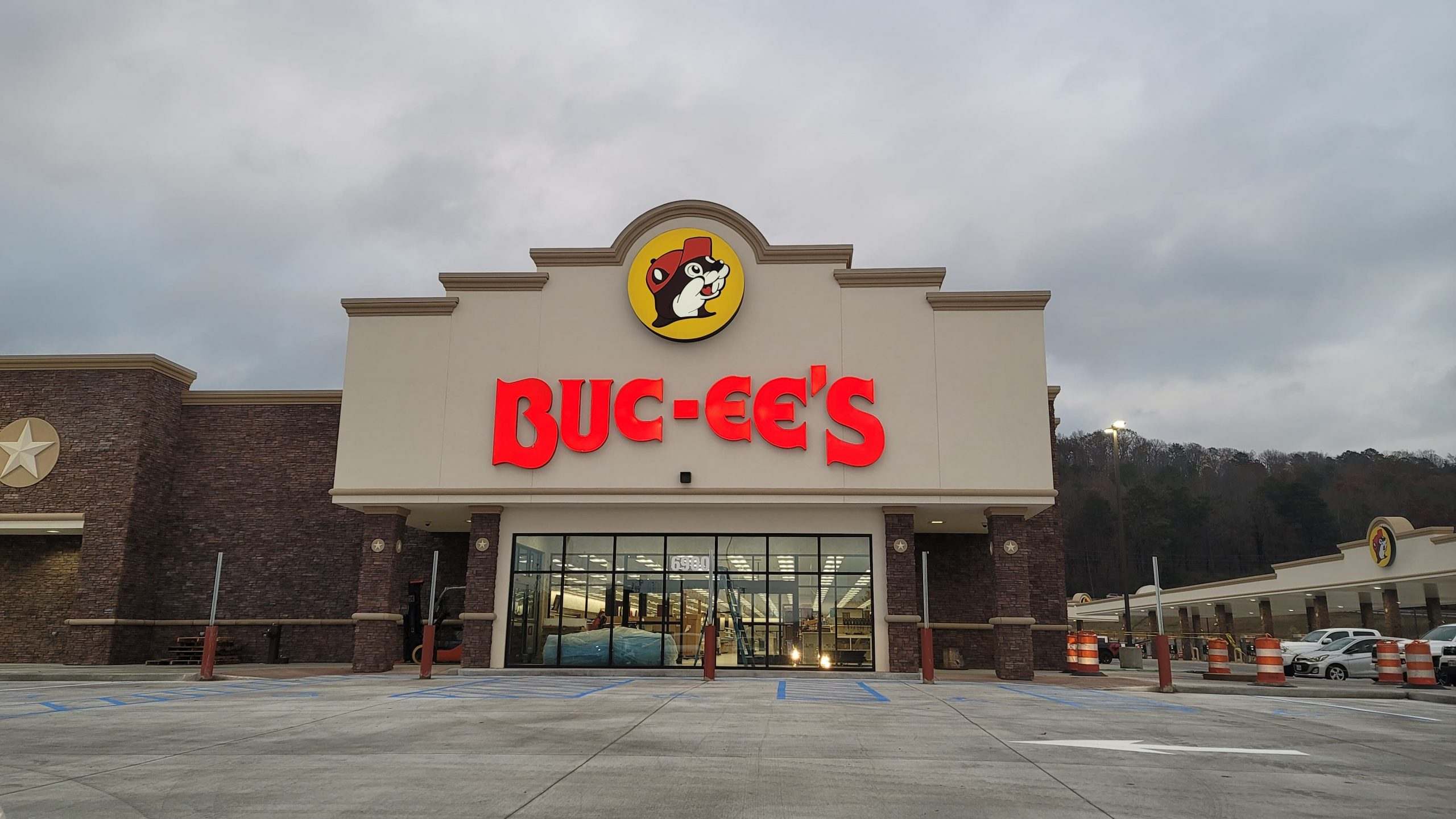 Leeds mayor announces Buc-ee's sales hit $10 million in first month