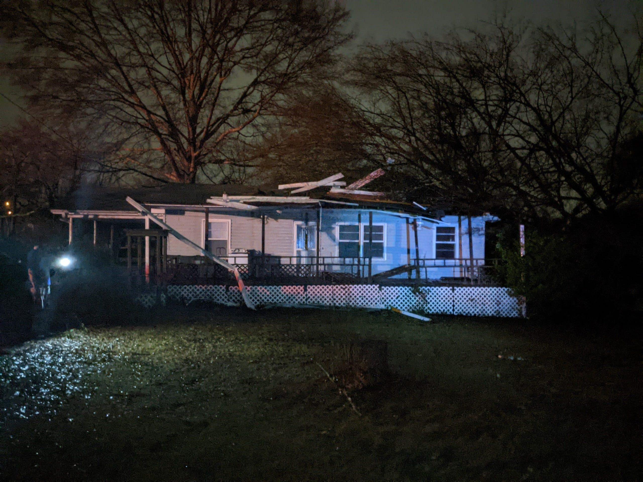 1 dead, around 30 injured after apparent tornado in Jefferson County