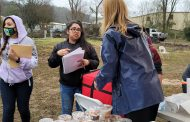 Young women return to mobile home park to help neighbors after tornado