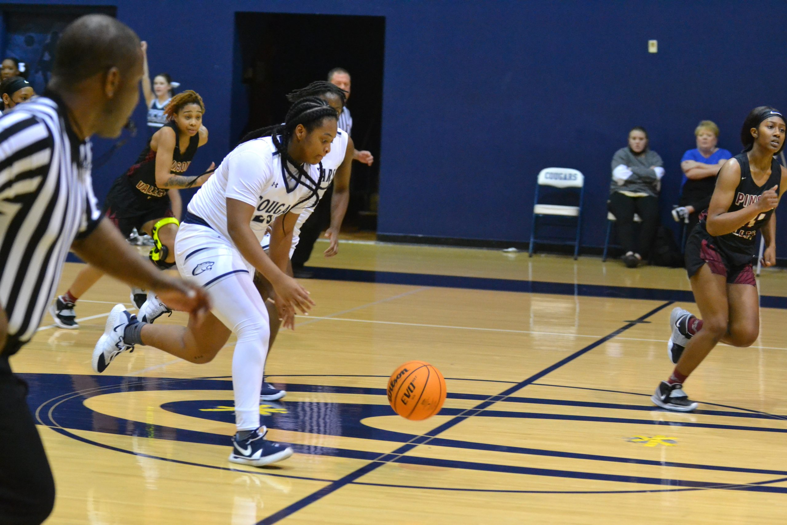 Clay-Chalkville girls thump Pinson, improve to 3-1 in league play