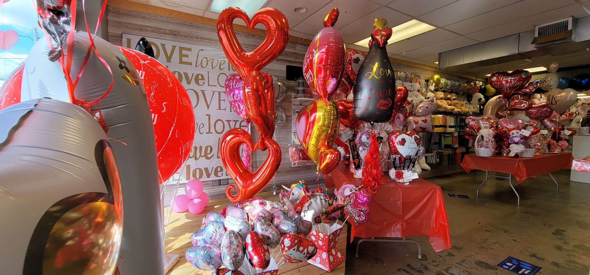 It's a Party Balloon and Party Supplier in Trussville: Family-owned, family-oriented