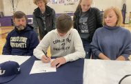 Springville trio signs on dotted line