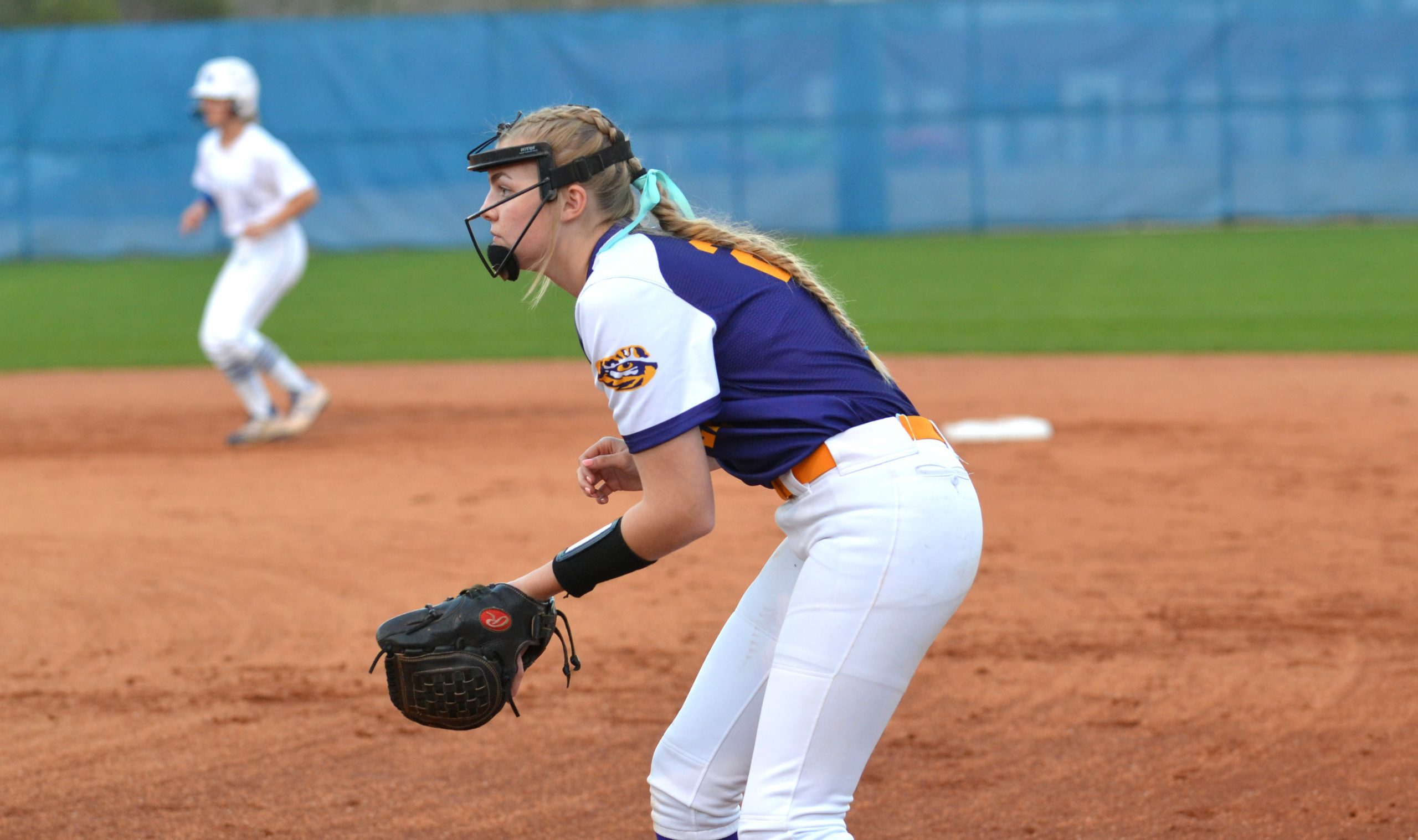 SOFTBALL ROUNDUP: Bullington goes off as Tigers top Southside; Hewitt falls to Spain Park