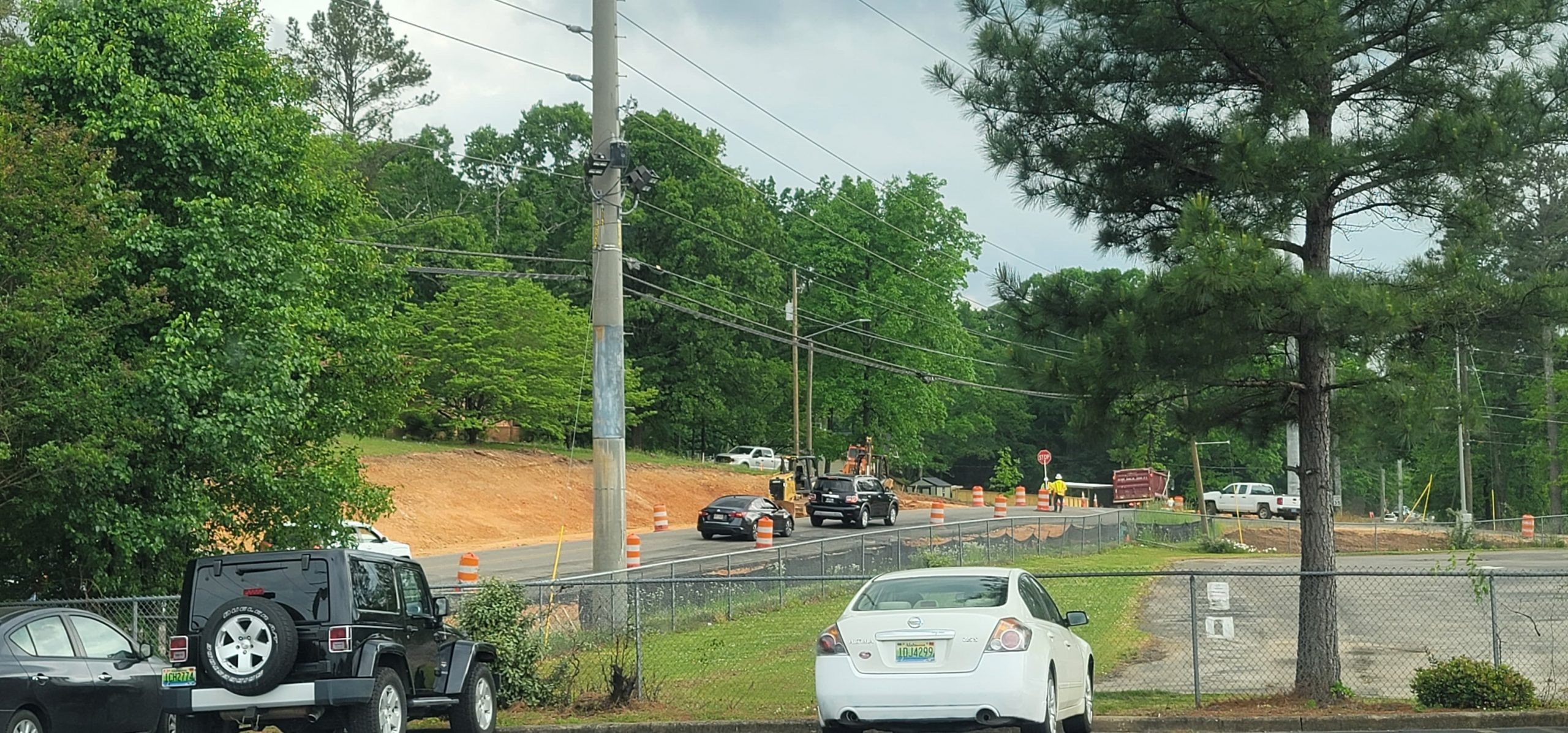 Crews hit gas line while working on Old Springville Road in Clay