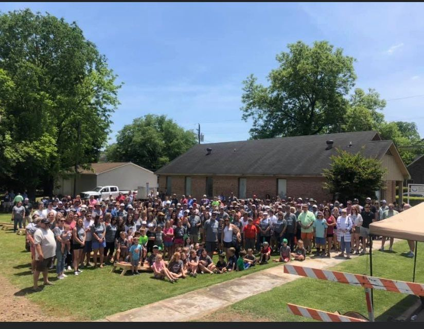 More than 600 people show up for 'Ford Tough Cornhole Tournament' in Leeds
