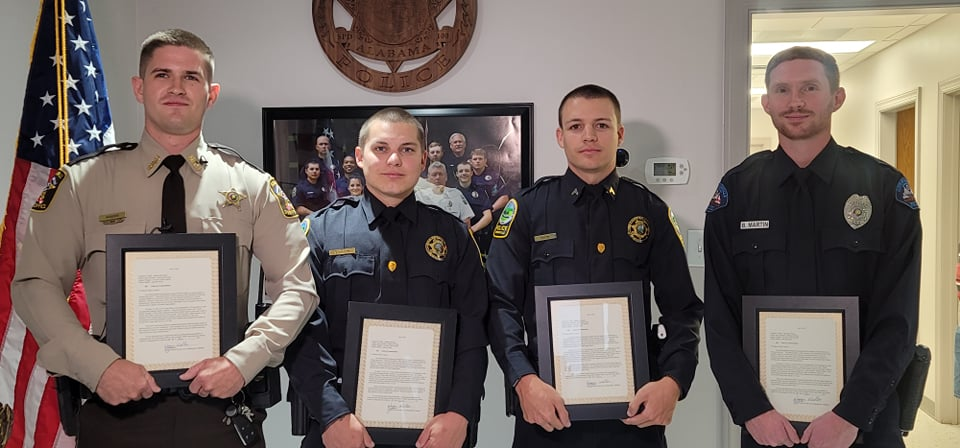 VIDEO: Oh Baby! Officers honored in Springville for roadside delivery