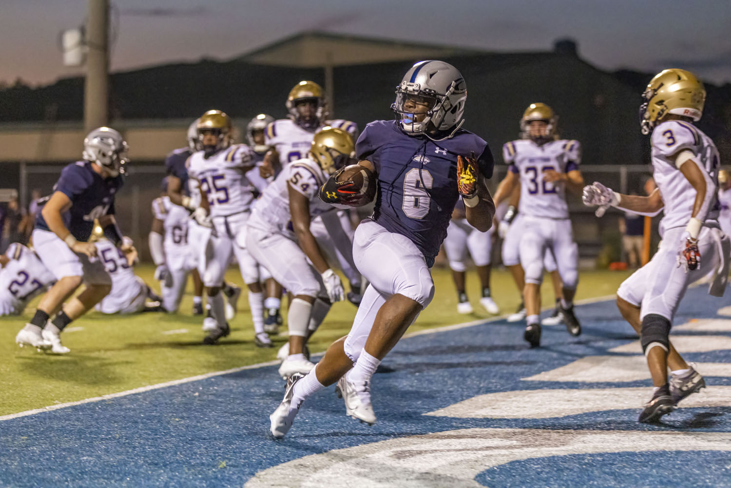 Clay-Chalkville explodes early, hangs on late to beat Hueytown